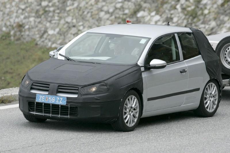 S0-Future-Volkswagen-Golf-VI-en-balade-dans-les-Alpes-83782