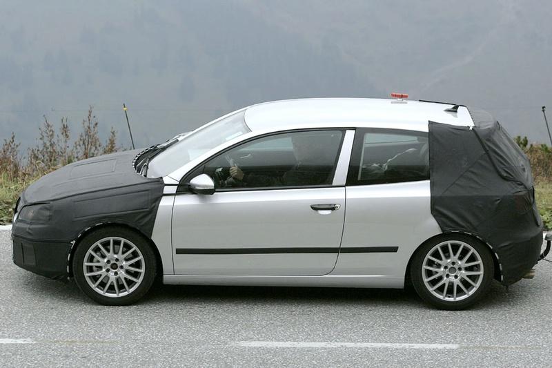 S0-Future-Volkswagen-Golf-VI-en-balade-dans-les-Alpes-83786
