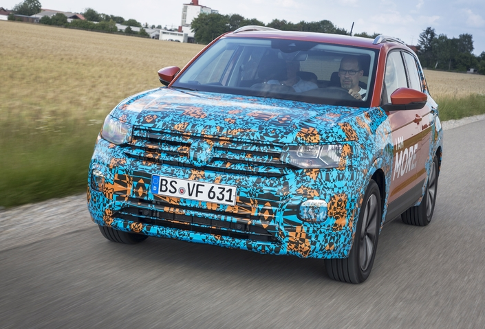 S1-prise-en-mains-volkswagen-t-cross-succes-annonce-557534