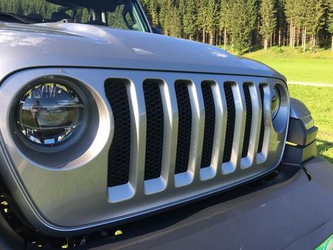 Prise en mains vidéo - Jeep Wrangler 2018 : toujours de boue