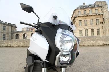 Essai vidéo Kawasaki Versys 1000 : Une nouvelle idée du trail routier