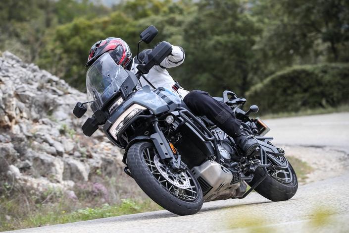 Essai - Harley Davidson 1250 Pan America : vous avez dit révolution ? S1-essai-harley-davidson-1250-pan-america-special-vous-avez-dit-revolution-671256