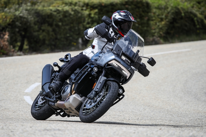 Essai - Harley Davidson 1250 Pan America : vous avez dit révolution ? S1-essai-harley-davidson-1250-pan-america-special-vous-avez-dit-revolution-671257