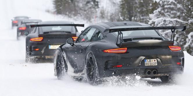 Surprise : la future Porsche 911 GT3 RS ne se cache plus