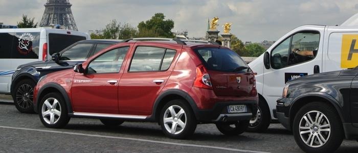 …66% des Français disent hésiter entre différentes motorisations, troublés par les évolutions de la règlementation. Ainsi, parmi les 56% d'adeptes des moteurs à gazole, un tiers (33%) redoute de ne plus pouvoir rouler en ville. (4)