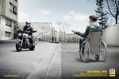 Collision entre un scooter et un camion sur la route de Genève