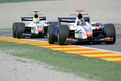GP2 Valence Course 1 : Petrov gagne, Glock rate le coche