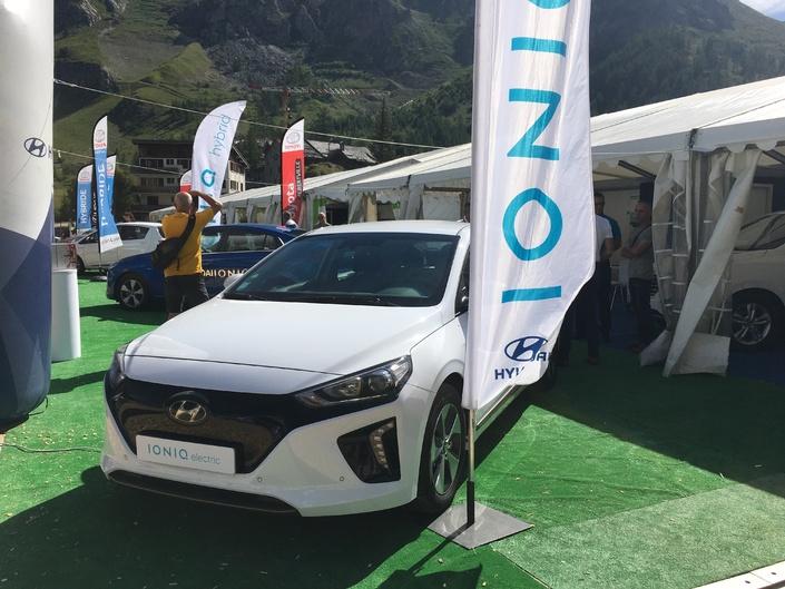 Le stand Hyundai - Vidéo en direct du Salon de Val d'Isère 2018