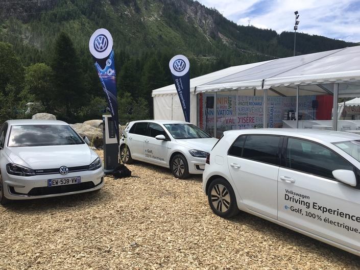Le stand Volkswagen - Vidéo en direct du Salon de Val d'Isère 2018