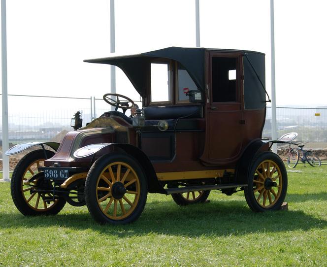 (un «taxi de la Marne»)