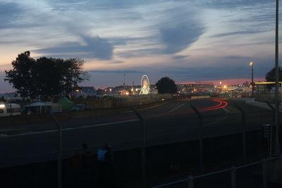Petite immersion dans le monde nocturne des 24h du Mans.