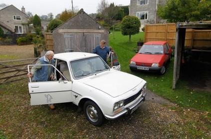 Rétroviseurs - Une Peugeot 504 qui a parcouru un million de km, un doc sur la Citroën SM