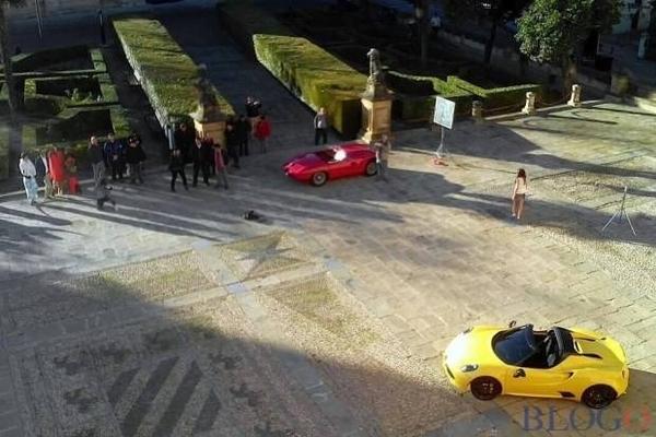 S7-L-Alfa-Romeo-4C-Spider-surprise-en-plein-shooting-340885