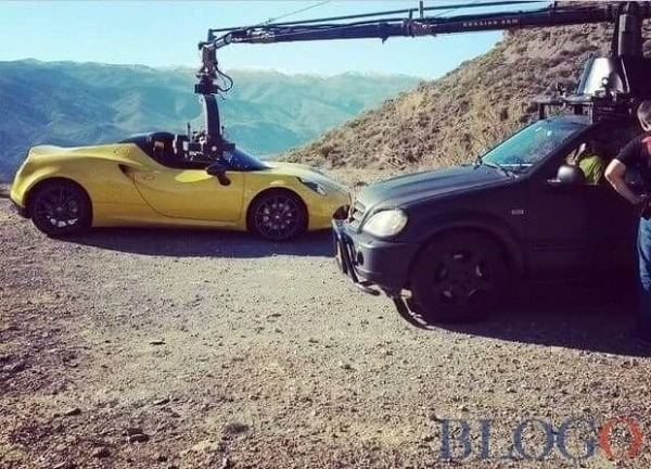S7-L-Alfa-Romeo-4C-Spider-surprise-en-plein-shooting-340886