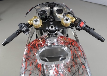 Préparation: Louis-Moto transforme une Honda VFR1200 F DCT