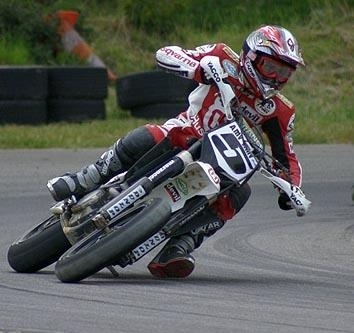 Supermoto en Italie, Adrien Chareyre s'impose.