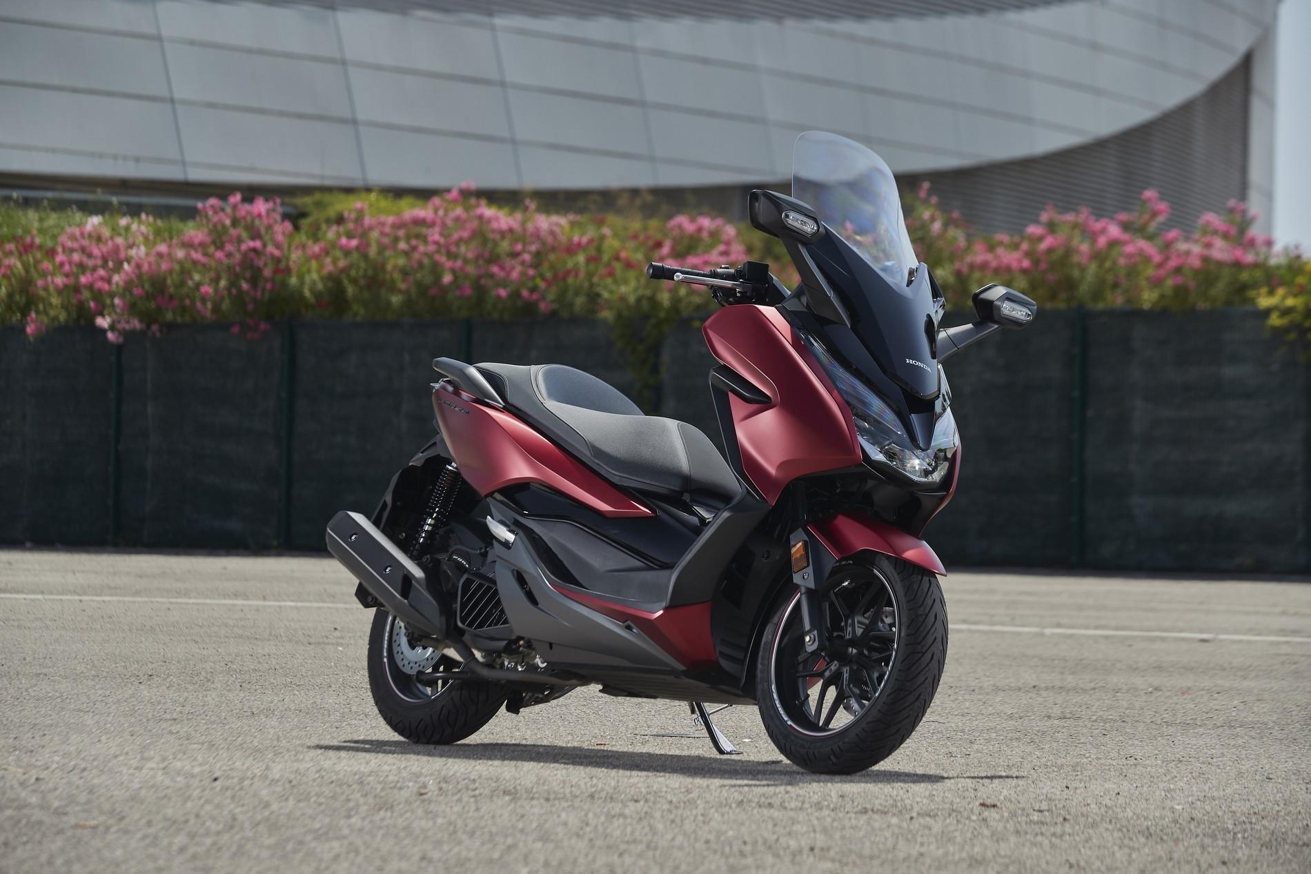 Essai Honda Forza 125 Cm3 2019 Forza Stique
