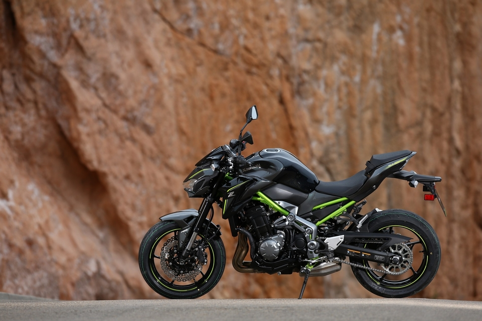 Essai Kawasaki Z900 2017 : on brasse les cartes et on recommence