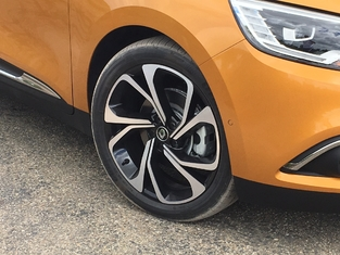 Première vidéo de la Renault Scénic 4 : découvrez les premières images de l'essai en live + impressions de conduite