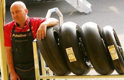 Moto GP: Japon: Pneus: Bridgestone fait cavalier seul !