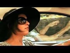 Vidéo-Nos drôles de dames testent la Mercedes SLK