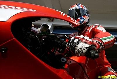 Moto GP: Casey Stoner Champion du Monde 2007