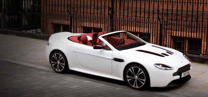 La nouvelle Aston Martin V12 Vantage Roadster officialisée
