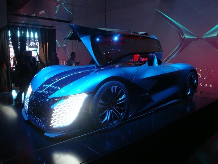 Le X formé par la carrosserie au niveau des portes pourrait être bientôt repris par un modèle de série.