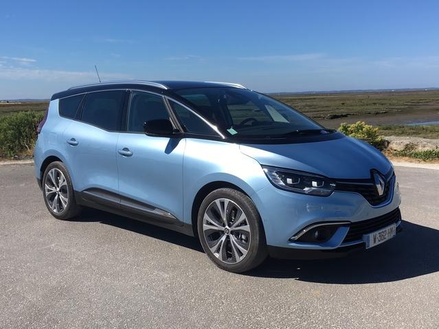 Première vidéo du Renault Grand Scénic 4 : découvrez les premières images de l'essai en live + impressions de conduite