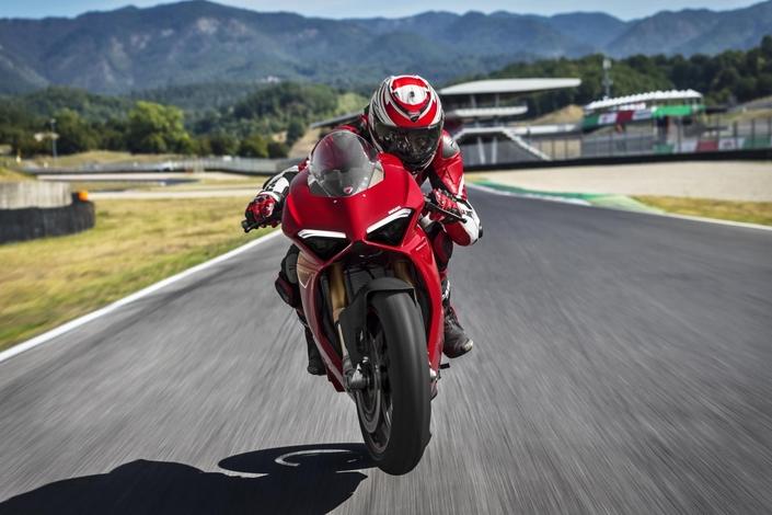 Nouveauté - Ducati: un roadster V4 est attendu pour 2019.