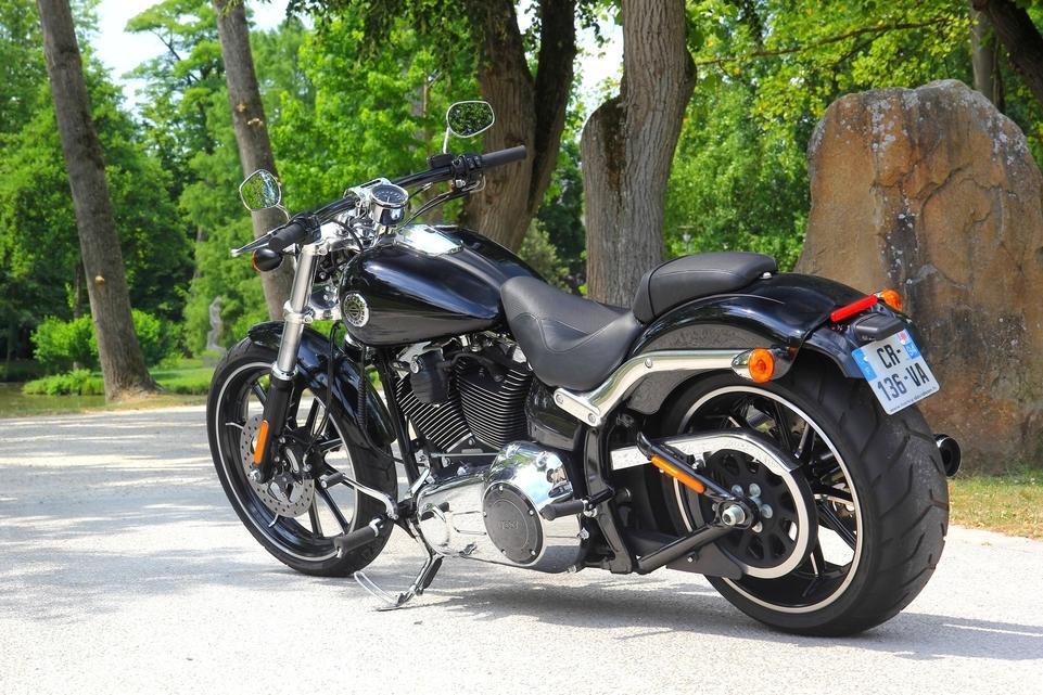 """Essai Harley Davidson Breakout 2013 : """"born to be wild"""""""