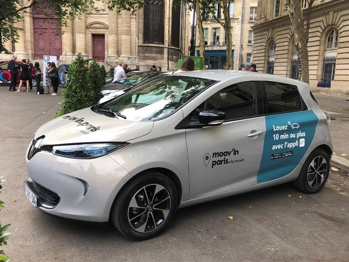 Dans un premier temps, une flotte 100 Renault Zoé et 20 Twizy sera proposée aux parisiens et franciliens.