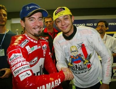 Moto GP: ça monte entre Michelin et Rossi