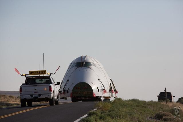 """Pour le Burning Man 2016, qui vient de s'achever, l'organisation a fait venir un fuselage de Boeing 747. """"Bigger is better"""", comme disent nos amis américains. Mais on s'éloigne un peu du concept de base du minimalisme. Dommage."""
