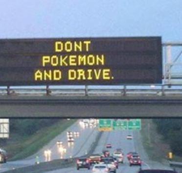 Chasser le Pokémon en voiture burkini