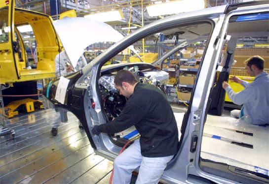 Le secteur automobile emploie 10% des actifs français : vrai ou faux ?
