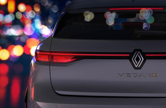Renault MéganeE-Tech Electric :les premières images de la compacte électrique