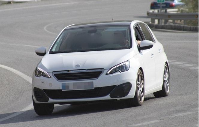 Surprise : la future Peugeot 308 GTi en test