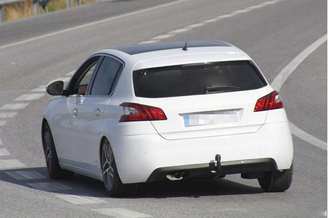 Surprise : la future Peugeot 308 GTi en test