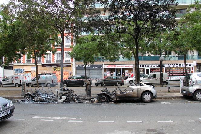 Deux Autolib en feu dans Paris ce matin