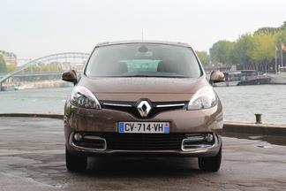 Comparatif vidéo - Citroën C4 Picasso vs Renault Scénic : une place sur le trône