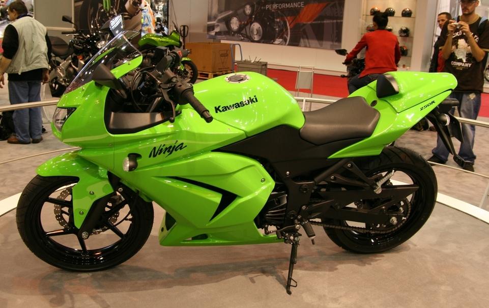 Salon de la moto 2007 en direct : le Shuriken Kawasaki, le 250R