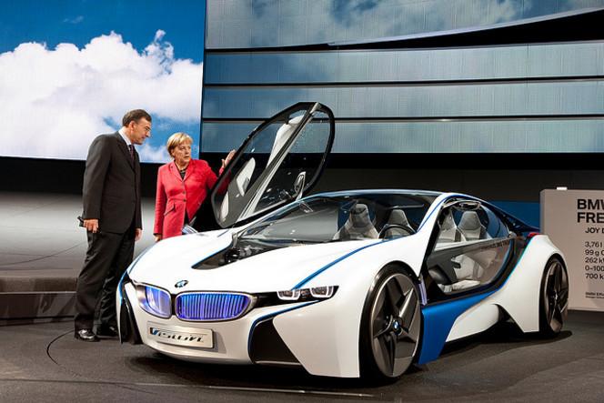 La famille Quandt propriétaire de BMW donne 690 000 euros à Angela Merkel