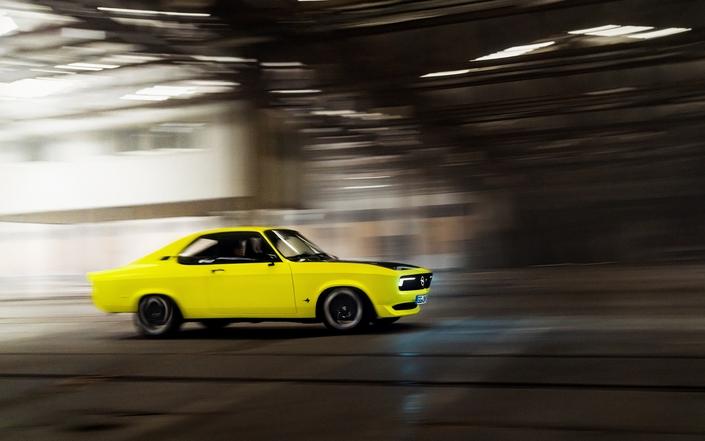 Opel revela las primeras imágenes del Manta Electric