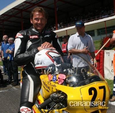 Des motos de Grands Prix et des stars.