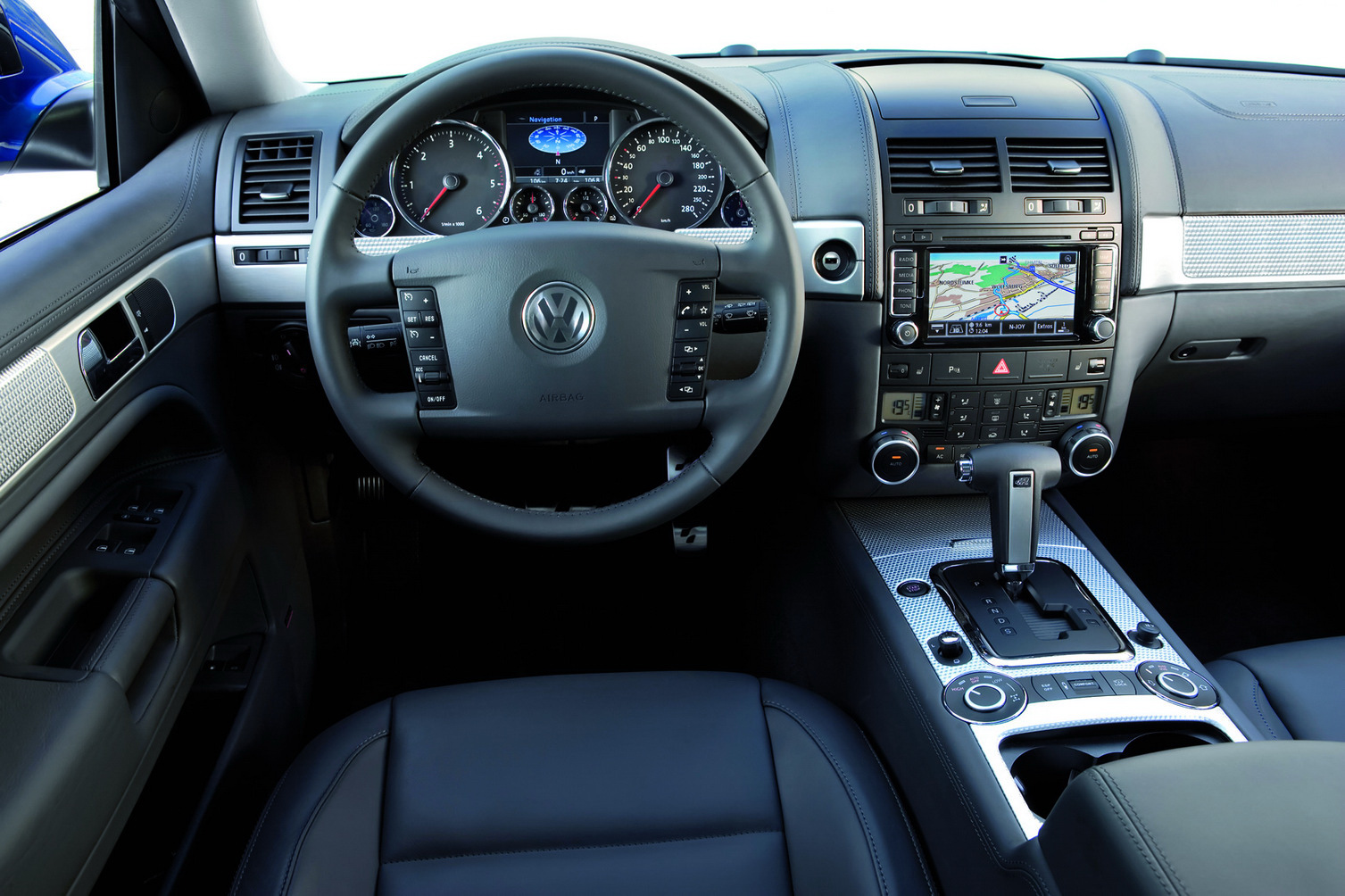 vw touareg r50 encore des photos. Black Bedroom Furniture Sets. Home Design Ideas