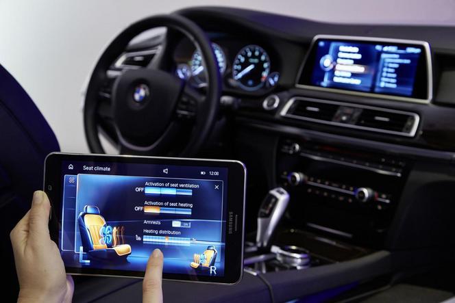BMW présente son nouveau système iDrive