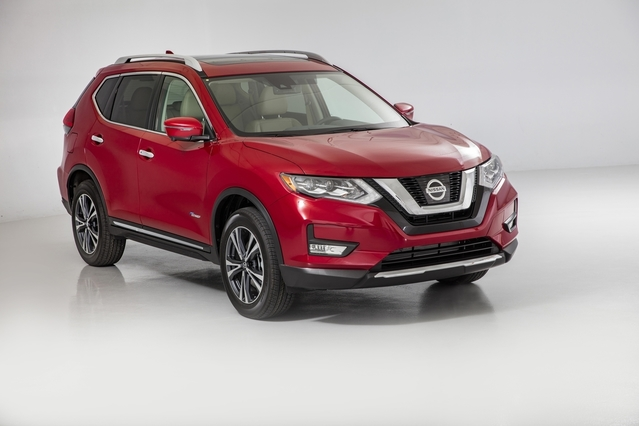 passion suv usa 2017 nissan x trail redesign or facelift. Black Bedroom Furniture Sets. Home Design Ideas