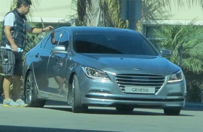 Surprise : la future Hyundai Genesis nue