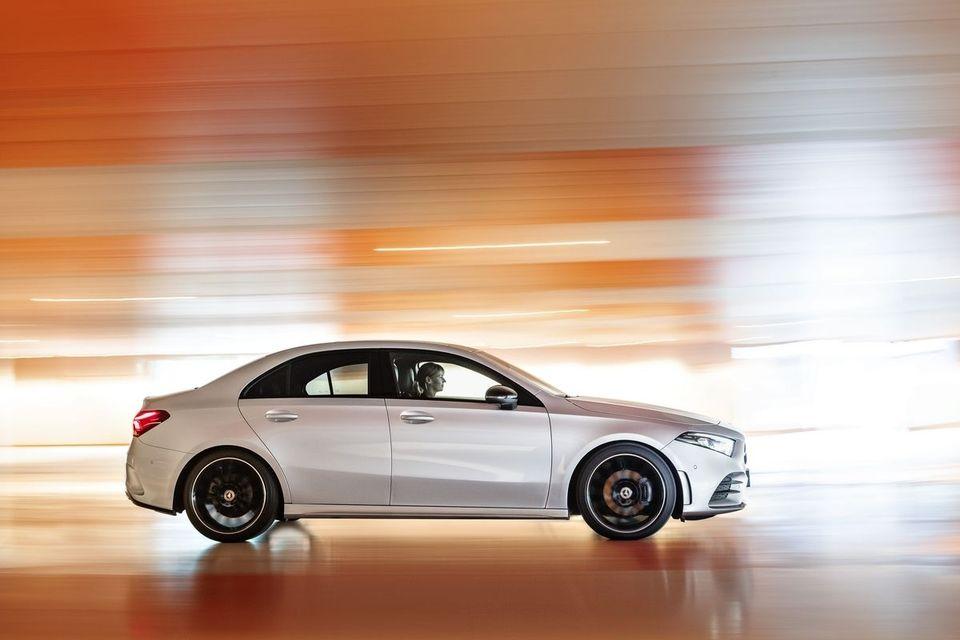 2018 - [Mercedes-Benz] Classe A Sedan - Page 5 S8-mondial-de-paris-2018-mercedes-classe-a-berline-prete-pour-l-europe-559383